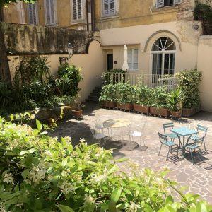 Spazio relax nel giardino privato a disposizione degli ospiti